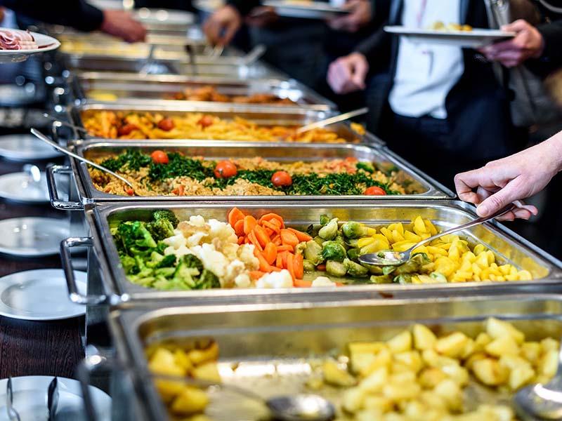 tiec-buffet-cuoi-nam-va-quy-trinh-chuan-bi
